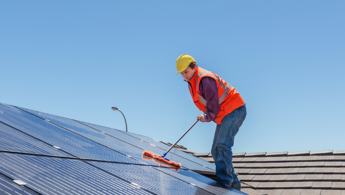 Cleaning Your Solar Light Panels For Your Garden